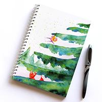 Bújócska a havas fenyőerdőben